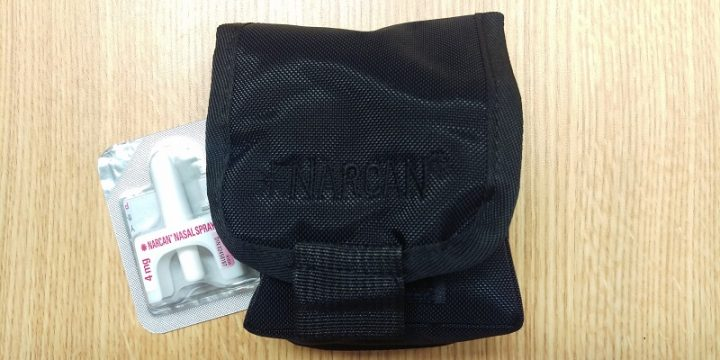 Naloxone kits