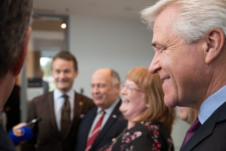 Minister Seamus O'Regan, Dr. Gary Kachanoski, Jennifer Adams, Premier Dwight Ball