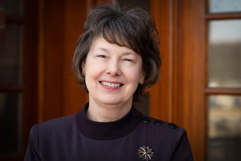 Dr. Kati Szego