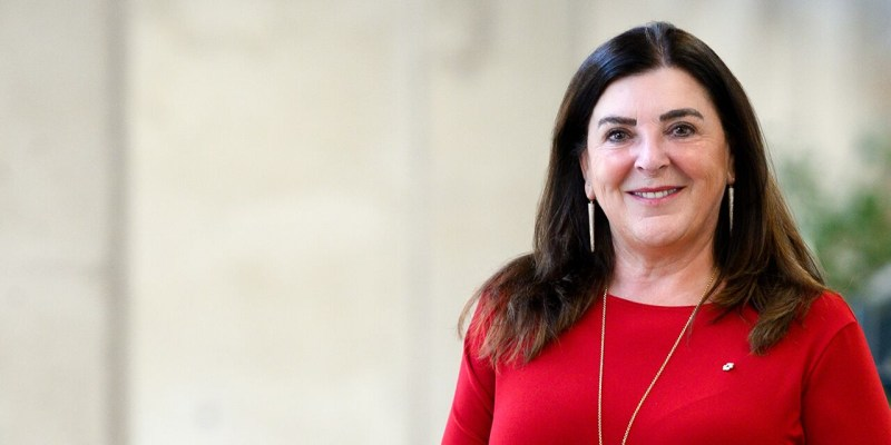 Dr. Vianne Timmons