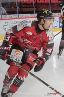 Hockey-sur-glace-Gothiques-vs-Nice-Reynald-Valleron-4-452x678
