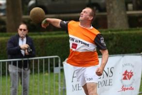 Ballon au poing (Reynald Valleron (102)