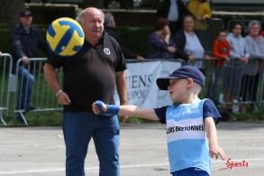 Ballon au poing (Reynald Valleron (136)