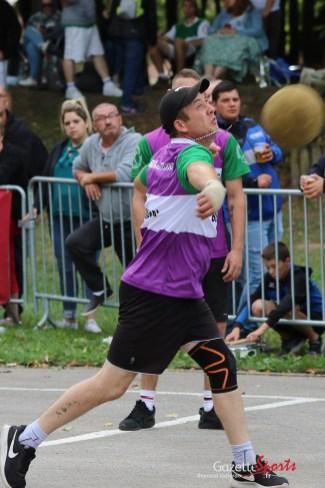 Ballon au poing (Reynald Valleron (36)