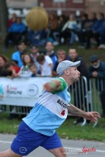 Ballon au poing (Reynald Valleron (49)