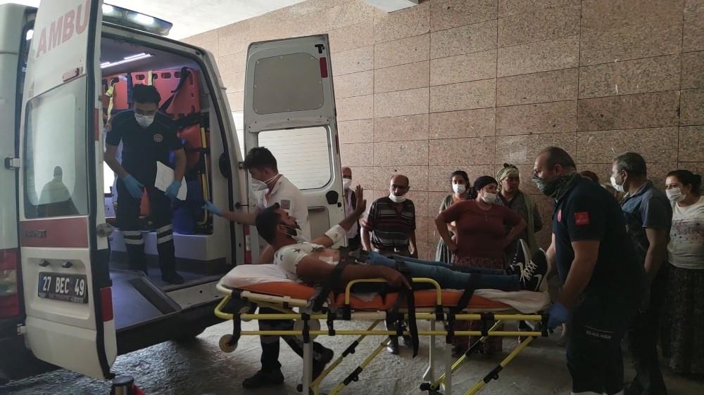 Gaziantep'te kuzenlerin bıçaklı kavgası: 1'i ağır 4 yaralı