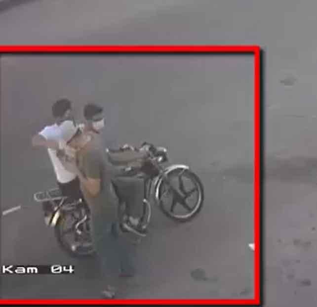 Motosikletli kapkaççılar güvenlik kamerasında