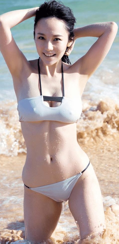 芸能人 乳首ポッチ (3)