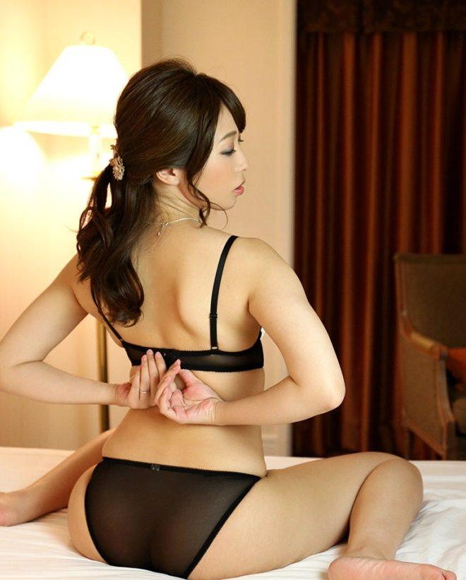 桃瀬ゆり (19)