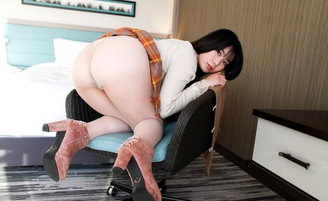 あゆみ莉花 (23)