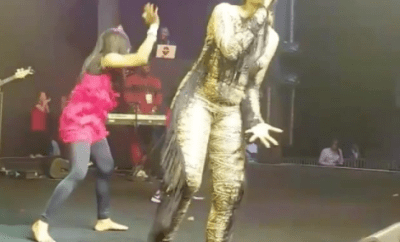 Tiwa Savage performs without her shoes