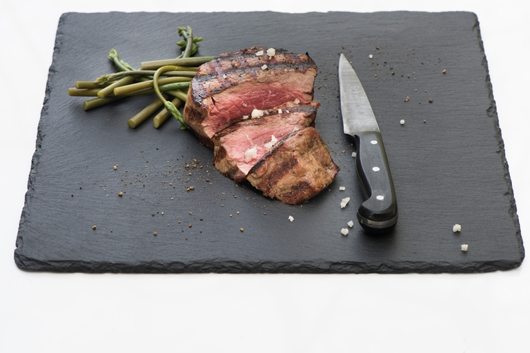 Barbecued beef steak with wild asparagus