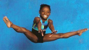 p Simone-Biles_gymnastics-portrait_split