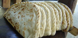 Chapshuro, Gilgit Baltistan version of Pizza.