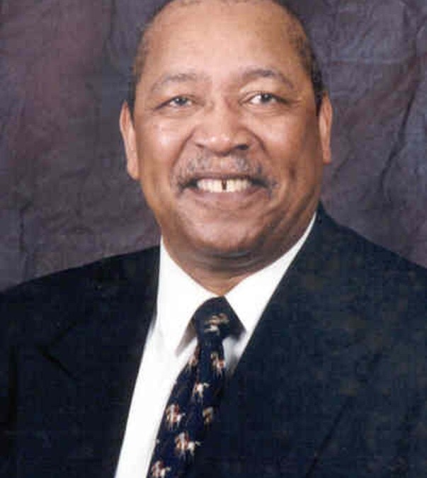 College mourns passing of Regent Carl E. Kelly