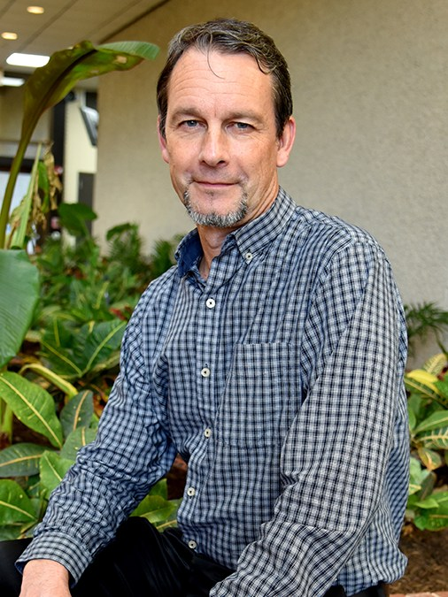 Galveston College professor is American Chemical Society Two-Year College Award recipient