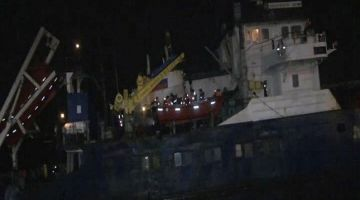 Russian Cargo Ship Runs Aground Off Istanbul