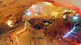 Caverns-Grotto-View-From-Top-Grand-Canyon-Caverns