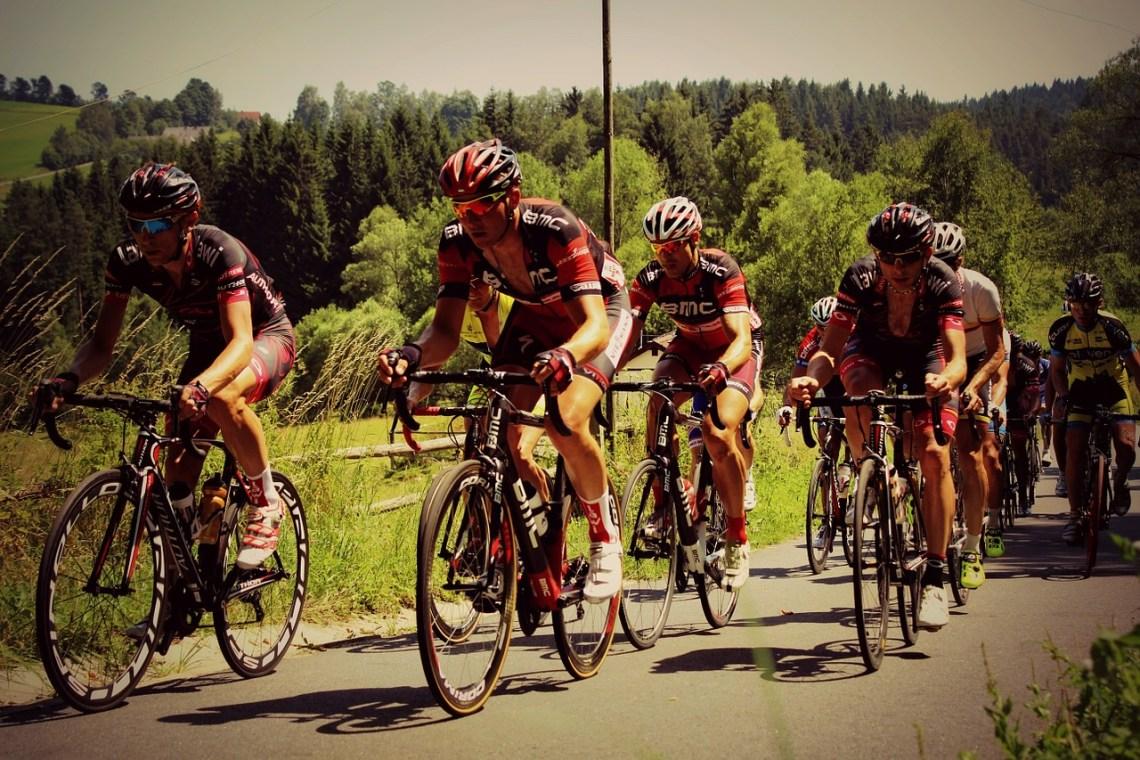 road-cycling-585248_1280