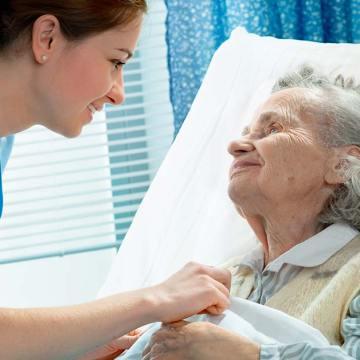 O banho é importante para a higiene, bem-estar e relaxamento do paciente