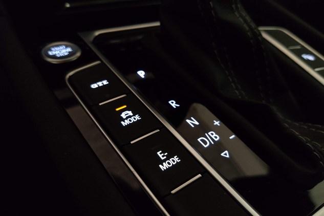 Test 2021 VW Arteon eHybrid Shooting Brake - Review AutoWorld