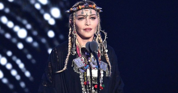 Madonna during her tribute speech to Aretha Franklin
