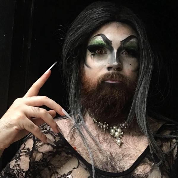 dragqueen Mary Poppers' Facebook profile picture