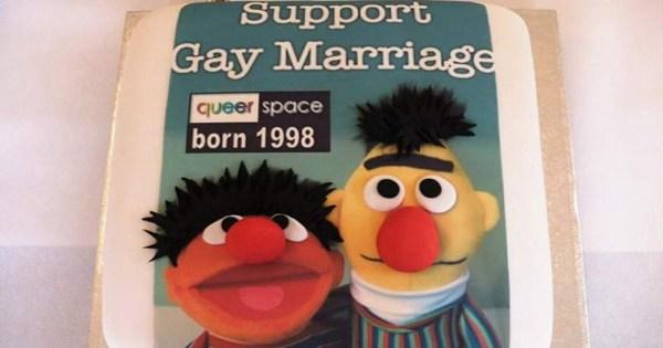 Bert and Ernie gay cake