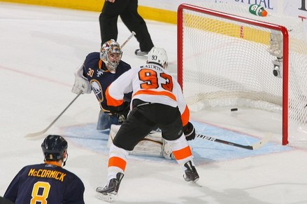 Flyers Build off Saturday Success to Take Game Three 4-2