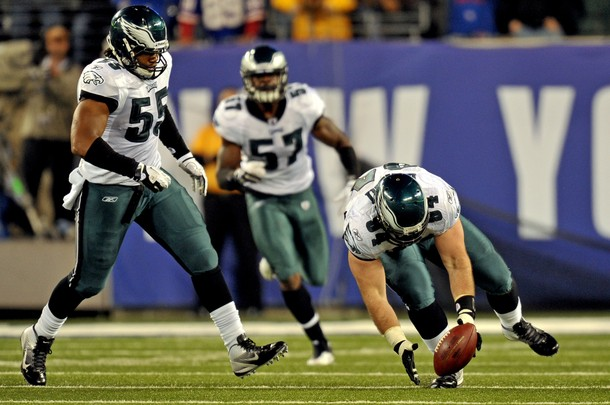 Eagles Defense Dominates Giants To Keep The Season Alive