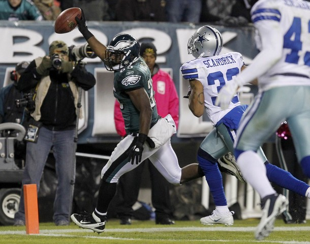 LeSean McCoy Named NFC Offensive Player Of The Week