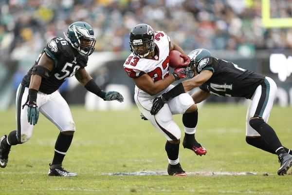 Falcons Beat Eagles With Dominating Ball Control Attack