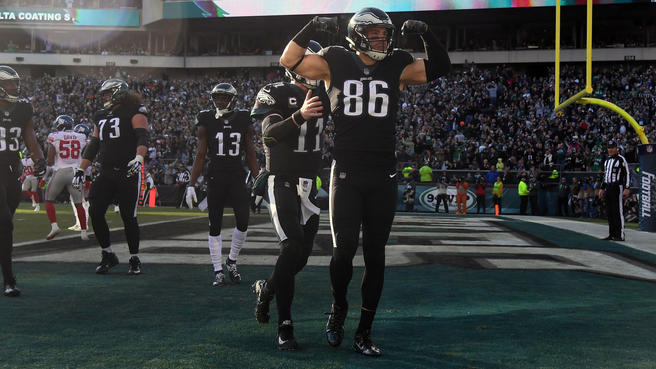 Eagles Tight End Zach Ertz Continues His Record Setting Season