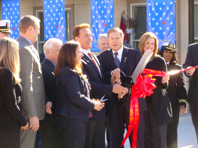 Governor & Roger Brautigan Vet Home Opening