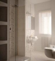 Il bagno con l'angolo doccia in mosaico