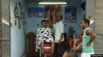 Barberías y peluquerías fueron las primeras cooperativas no agropecuarias aprobadas por el gobierno cubano (Archivo)