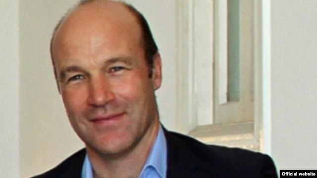Tim Cole. Embajador británico en Cuba.