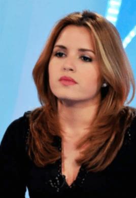 La presentadora de TV Cristina Escobar hizo la primera pregunta de un periodista oficialista cubano en una rueda de prensa de la Casa Blanca.