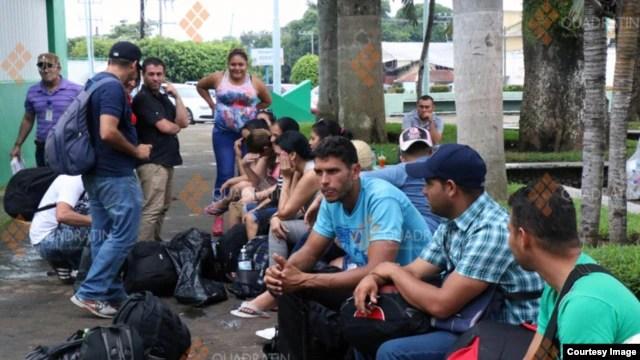 Más de 300 cubanos habrían arribado este viernes por la frontera sur de Chiapas. (Foto Cortesía de la agencia de noticias en Quadrantín, Chiapas).