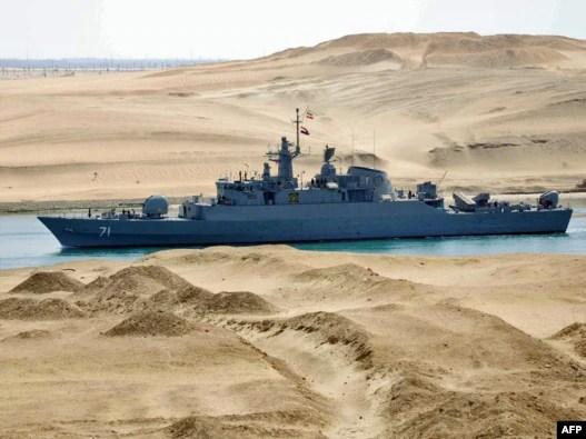 ناو ایرانی الوند در حال گذر از کانال سوئز.