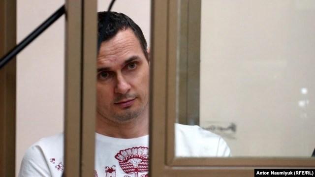 Олег Сенцов на скамье подсудимых в российском суде