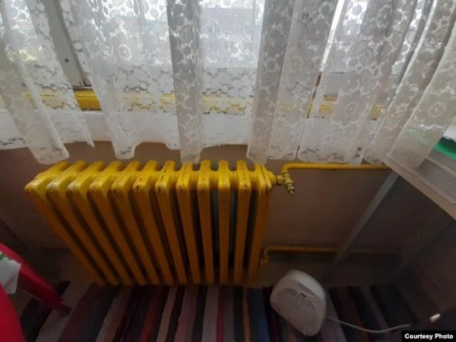 """Радијатор во соба во студентскиот дом """"Кузман Јосифовски - Питу"""" - Скопје"""