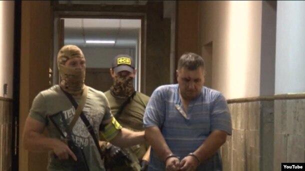 """Евгений Панов, по версии ФСБ, """"украинский диверсант"""", арестованный в Крыму"""