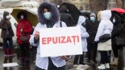 Reprezentanții cadrelor medicale spun că nu sunt de acord cu idee vaccinării obligatorii. O astfel de ipoteză a fost lansată de președintele Klaus Iohannis, la New York, într-o discuție informală cu jurnaliștii.