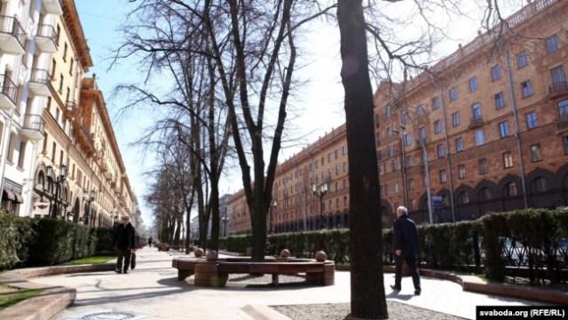 Сквэр на вуліцы Леніна, які можа стаць сквэрам Чапскага