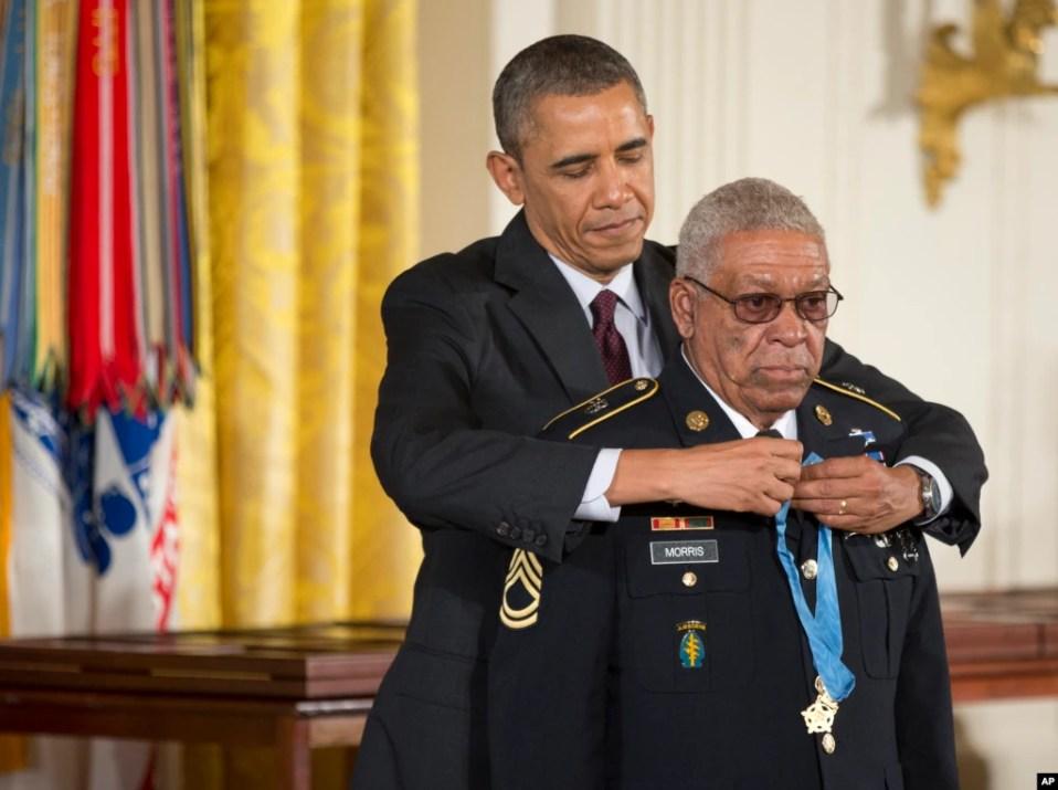 Melvin Morris Medal of Honor award Obama