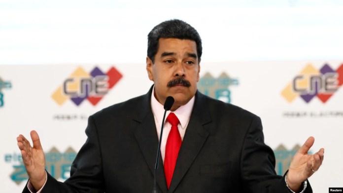 El presidente de Venezuela, Nicolás Maduro, ha utilizado tácticas autoritarias según sus críticos, a medida que la economía empeora.