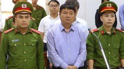 Ông Đinh La Thăng trong phiên xử ở Sài Gòn.