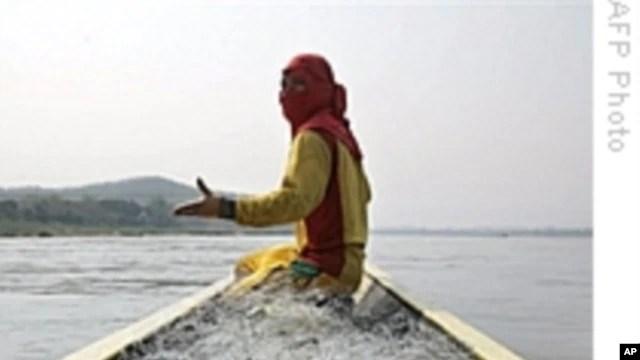 Đập Don Sahong sẽ chận con kênh quan trọng nhất của sông Mekong. Các chuyên gia độc lập nói cá dời cư qua con kênh này suốt năm
