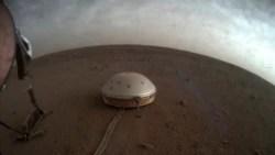 Quiz - Quake-Measuring Device Looks at Inside of Mars